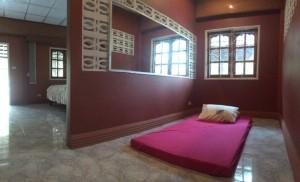 Roseanna Room 2